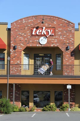 Teky Store at Valleyview Centre